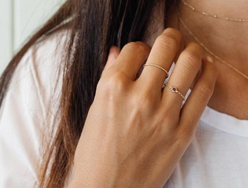 Dainty & Delicate Everyday Jewelry From Mejuri.
